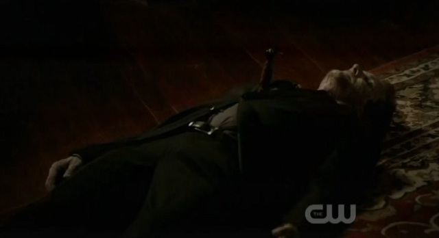 The Vampire Diaries S3x09 - Mikael is daggered