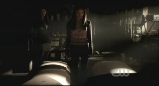 The Vampire Diaries S3x12 - Bonnie and Elena talk coffins
