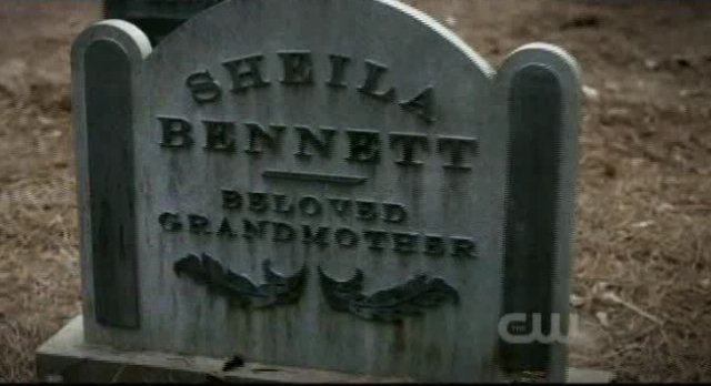 The Vampire Diaries S3x12 Bonnie granmothers headstone