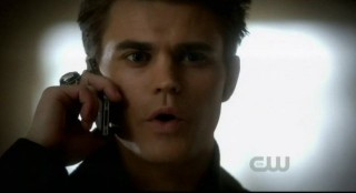 The Vampire Diaries S3x12 - Stefan calls Elena