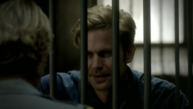 The Vampire Diaries 3x16 - Alaric is arrested