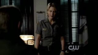 The Vampire Diaries 3x16 - Sheriff Forbes goes really mad at Elena and Damon for breaking into Meredith Fell's apartment