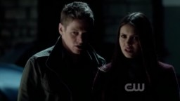 The Vampire Diaries 3x16 - Elena and Matt witnessed Stefan feeding on a girl