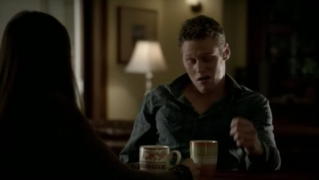 The Vampire Diaries 3x16 - Matt drinking a tea with Elena talking about how she ended up envolved with two vampires