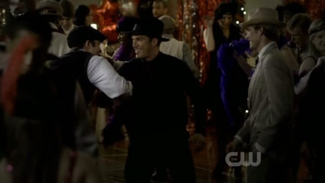 The Vampire Diaries 3x20 - Tyler shows up at the party