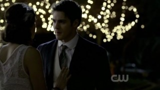 The Vampire Diaries S3x20 - Elana talks to Jeremy before Esther shows us