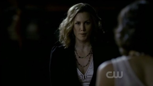The Vampire Diaries 3x20 - Esther demands Elena to follow her