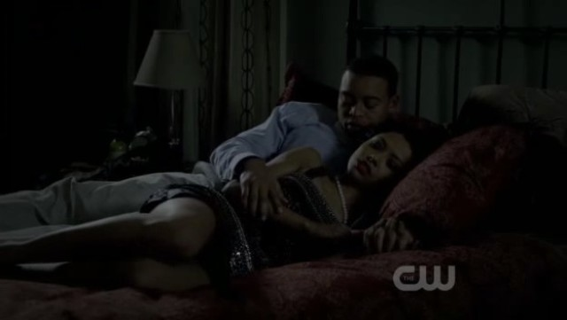 The Vampire Diaries 3x20 - Bonnie and Jamie cuddling in bed
