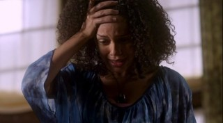 Warehouse 13 S4x01 - Leena is in tears after the death of Mrs Fredericks