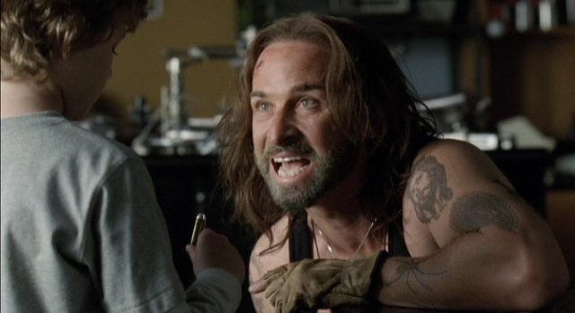Falling Skies S1x08 Colin Cunningham about to help fight the aliens