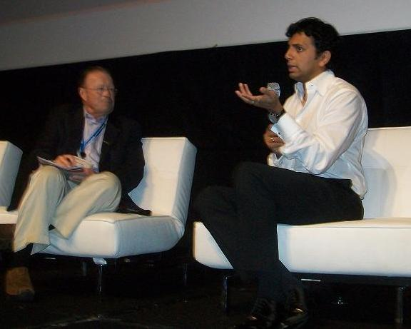 3D Summit's Bob Dowling and M. Night Shyamalan!
