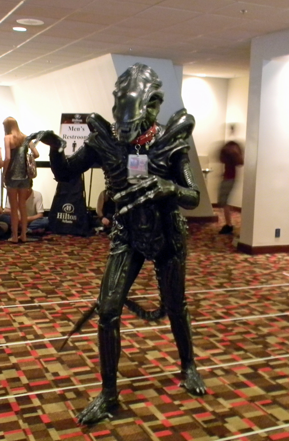 Alien cosplayer