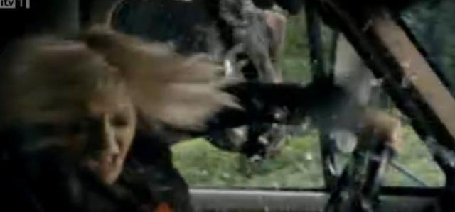 Primeval-S4x05 - Abby with the worm!