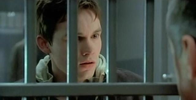 Fringe S3X16 Os Michael visits father jail