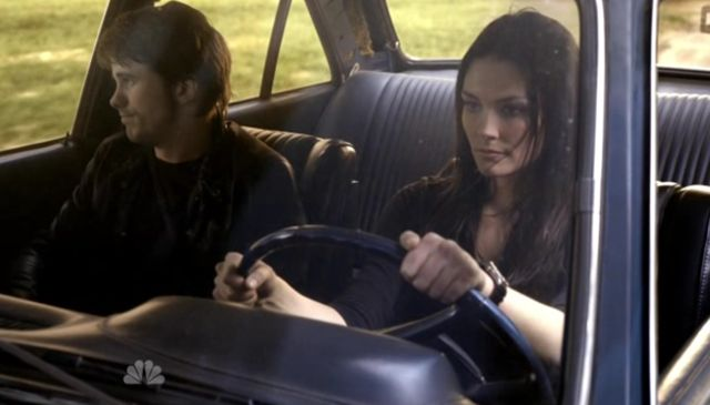 The Event S01x15 Vicky, Sean in car France