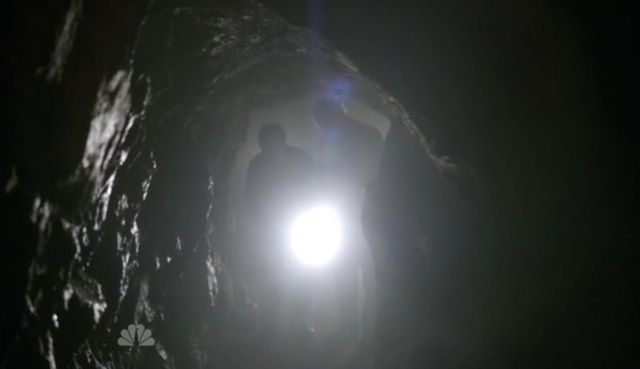 The Event S01x15 Dempsey in tunnel at Dig