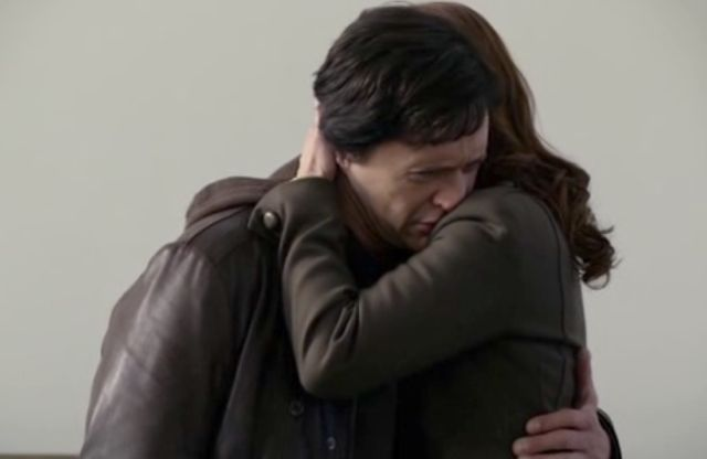 The Event S01x15 7 Sophia, Thomas embrace