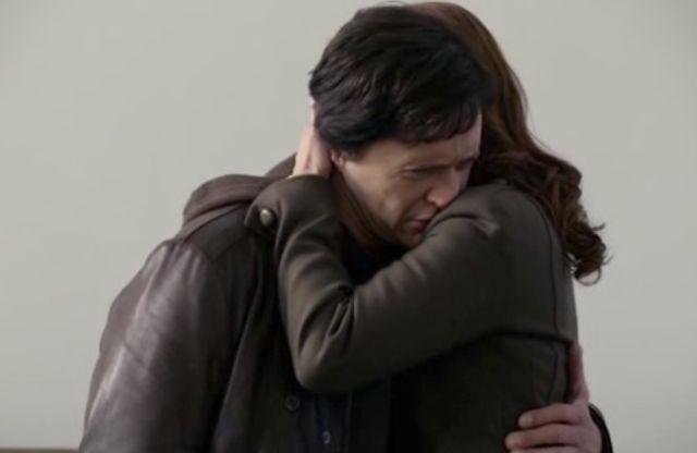The Event S01x15 7 Sophia, Thomas embrace