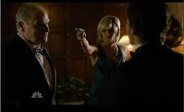 The Event S1x14 Ray Jarvis Hostage