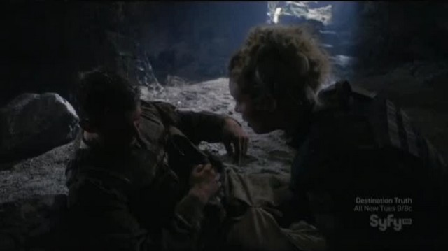 SGU S2xE16 The Hunt - TJ assures the young officer