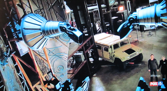 Fringe- S3x21 – Peter and Olivia holding hands at the machine