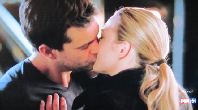 Fringe- S3x21 – Peter and Olivia kiss