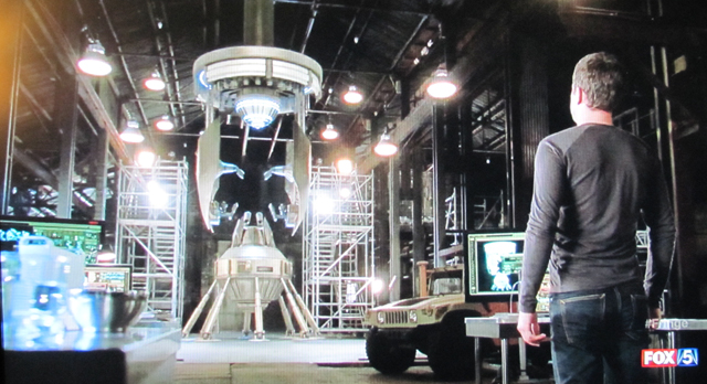 Fringe- S3x21 – Peter looks at the machine