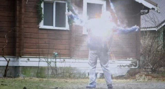 12 Disasters of Christmas - Don't play with the XMAS lights!
