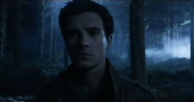 Falling Skies S3x01 - Hal in the dream scape forest