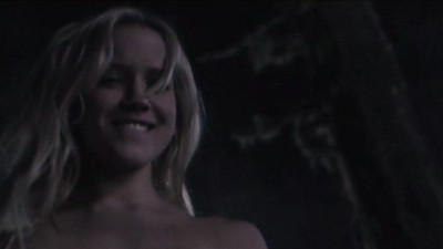Falling Skies S3x01 - Karen is nready to have a private party with Hal