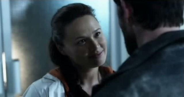 Falling Skies S3x01 - Moon Blodgood as the wonderful Doctor Anne Glass