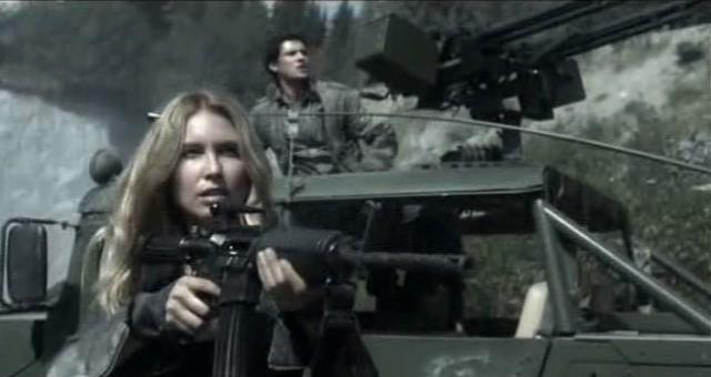 Fallings Skies S3x01 - Maggie sprays the area as Hal takes aim