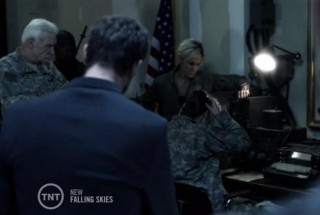 Falling Skies S3X04 Short wave contact