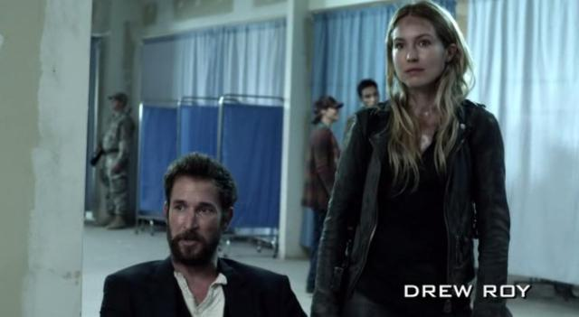 FallingSkies S3X03 Tom watches Hal recover