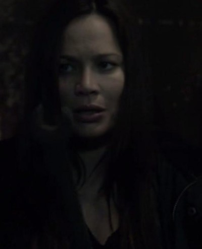 Falling Skies S3X04 Glass with the wrench in the lab