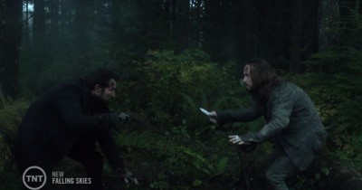 Falling Skies S3x05 Tom and Pope fight