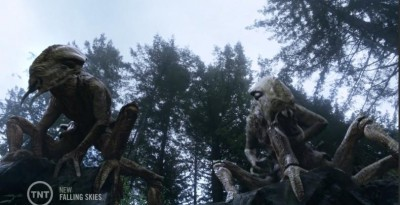 Falling Skies S3x05 skitters on a cliff