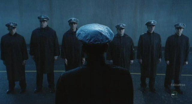Alcatraz S1x05 - New recruits on The Rock