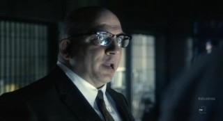 Alcatraz S1x05 - Warden James comes for a visit