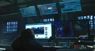Alcatraz S1x08 - Diego monitors the Internet
