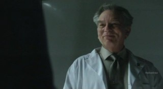 Alcatraz S1x08 - Milton smirks at Hauser