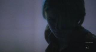 Alcatraz S1x09 - Rebecca Madsen on alert