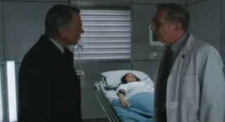 Alcatraz S1x11 - Hauser and Beuaregard discuss Porter and Lucys blood