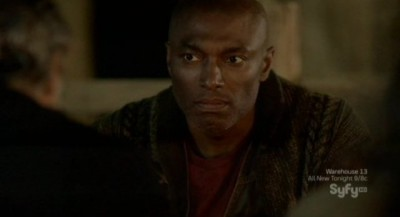 Alphas S2x06 - Claude listens to Rosen and the story of the bees
