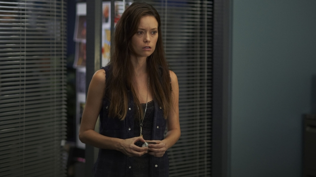 Alphas S2x13 - Skylar gathers her throughts