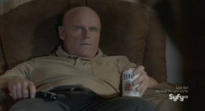 Being Human S3x04 - Josh meets Nora's dad who is more interested in his beer at the moment