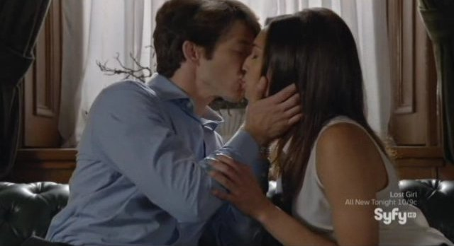 Being Human S3x05 - Max and Sally kiss