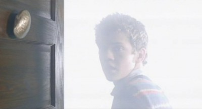 Being Human S3x10 - Stevie goes thrugh his door that has the same golden seashell on it