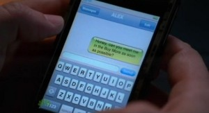 Chuck S5x04 - Morgan uses Caseys cell phone to text Alex