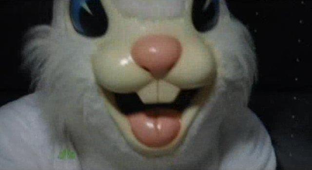 Chuck S5x04 - Sarah knocks out Crazy Bob the Bunny Man